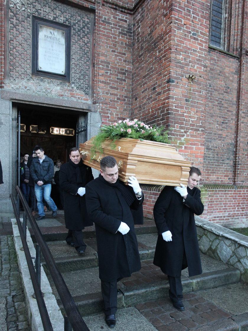 pogrzeb Michała F. († 30 l.) oraz jego 8-letniego syna, Wiktora