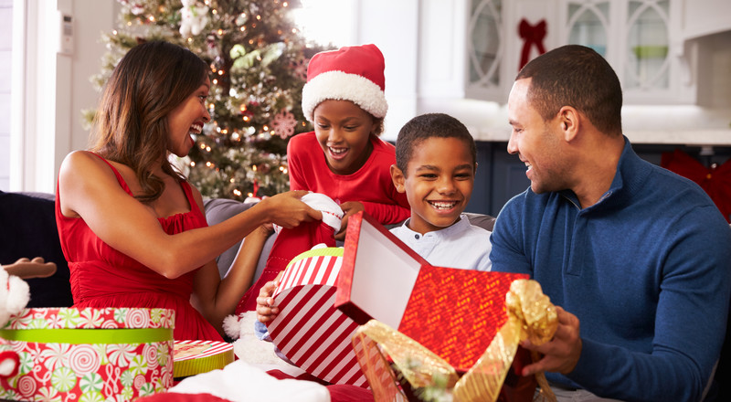 Simple and practical ways to avoid overspending this Christmas period