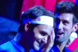 """""""BRATE, EVO ZAŠTO NE IGRAMO DUBL"""" Urnebesan razgovor Đokovića i Federera obišao svet /VIDEO/"""
