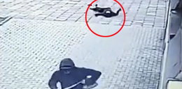 Brutalny napad na bezbronną staruszkę w Krakowie. Jest nagranie