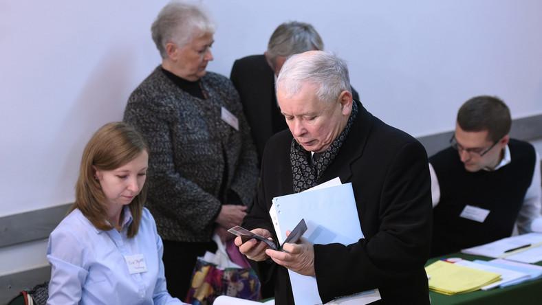 Kaczyński ostro krytykuje PKW: Nie chodzi tylko o system informatyczny...