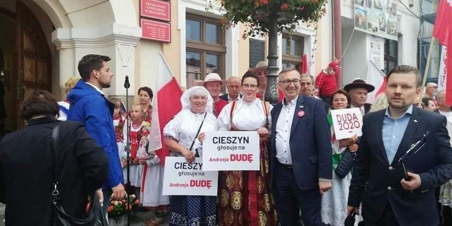 Incydent na wiecu Andrzeja Dudy. Burmistrz Cieszyna żąda przeprosin