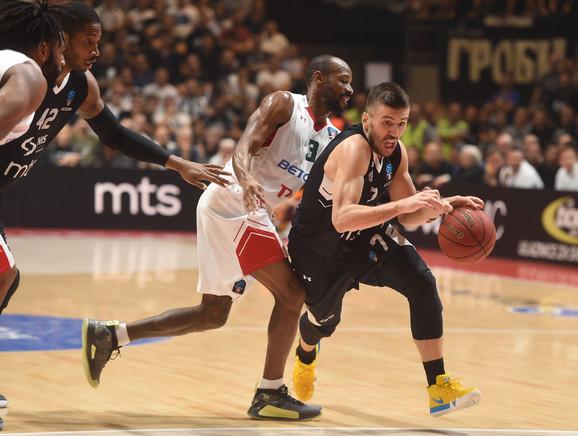 Nemanja Gordić na meču Partizan - Lokomotiva