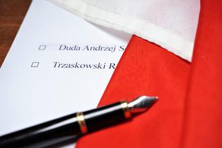 Motywy głosowania - na Dudę zadowolenie z pierwszej kadencji, na Trzaskowskiego - 'mniejsze zło' [SONDAŻ CBOS]