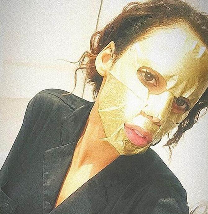 Postoji i zlatna verzija ovih maski
