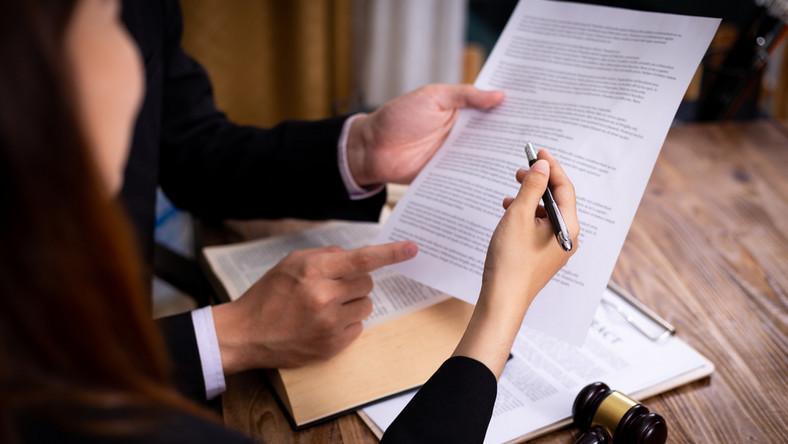 nowe obowiązki pracodawcy firma dokumenty umowa warunki prawo przepisy