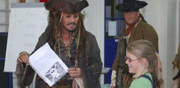 Depp odwiedził dzieci w szkole