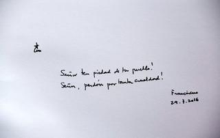 Papież w księdze pamiątkowej Auschwitz: Panie, miej miłosierdzie, przebacz okrucieństwo