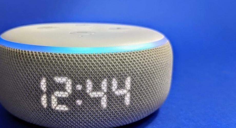 Amazon Echo Dot 3 mit Uhr, Timer und Temperatur im Test