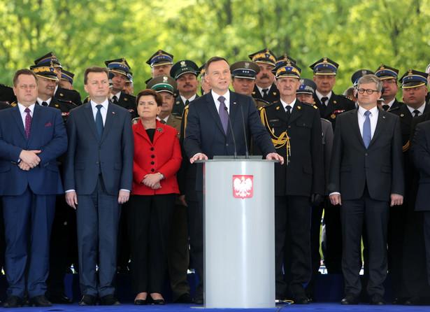 Andrzej Duda podczas obchodów Dnia Strażaka