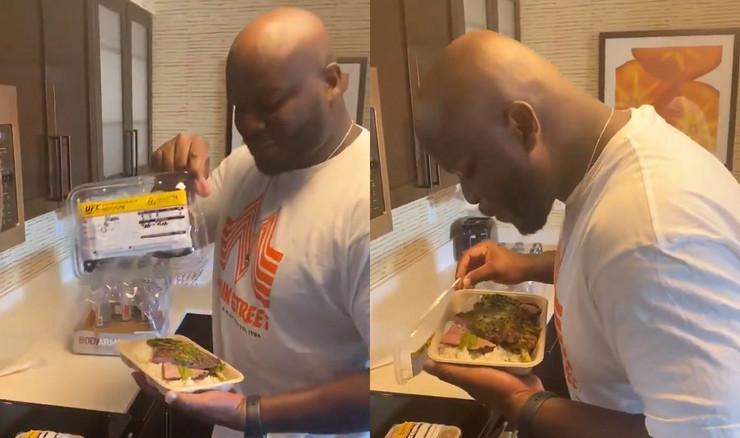 Derik Luis pljuje hranu