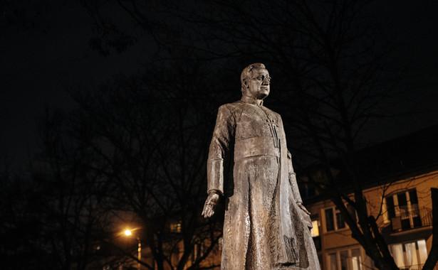 Pomnik księdza Jankowskiego