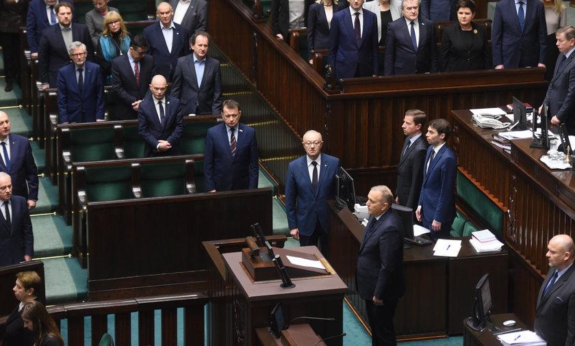 Sejm uczcił minutą ciszy Pawła Adamowicza