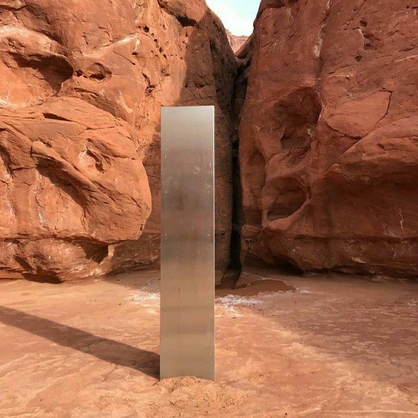 USA: odkryli tajemniczy monolit. Wiadomo już, skąd się wziął