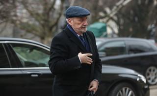 Macierewicz zarzuca Tuskowi zaniechanie m.in. ws. zwrotu wraku Tu-154M