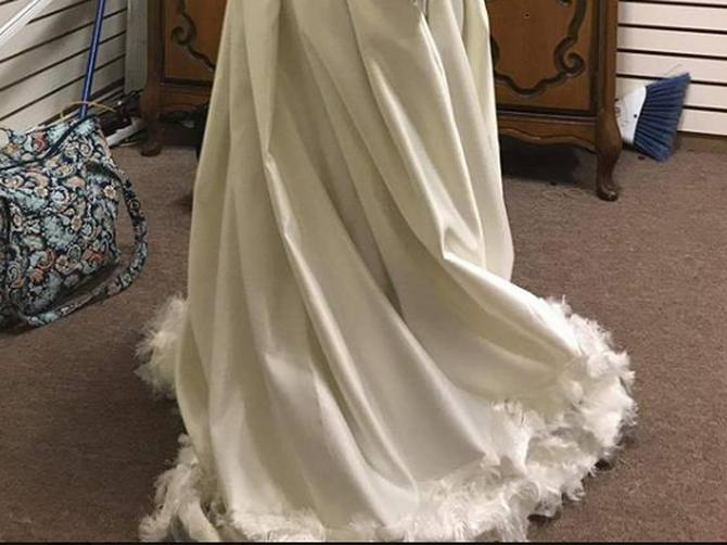 Platila je krojaču 30.000 dinara za matursku haljinu: Kada je videla ŠTA JE DOBILA, mogla je samo da sedne i plače