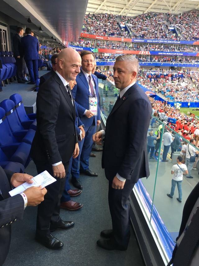 Slaviša Kokeza i prvi čovek FIFA Đani Infantino
