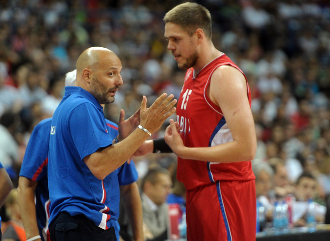 Sale Đorđević i Vladimir Štimac 2014. u Beogradu, na meču Srbija- Argentina, na turniru Trofej Beograda