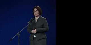 Beata Mazurek o programie 500 plus: Samotnym matkom życzę stabilizacji
