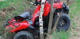 Wjechał quadem w drzewo i wpadł do potoku!