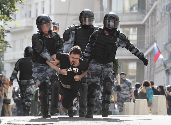 Kina i Rusija kažu da Zapad stoji iza protesta u Moskvi