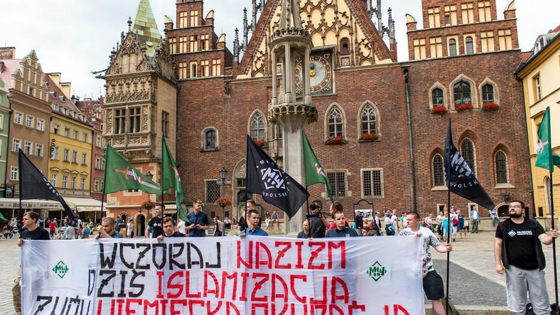 Antyimigrancka pikieta Młodzieży Wszechpolskiej