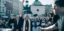 """""""Kler"""" wchodzi do kin. Smarzowski obnaża grzechy Kościoła"""