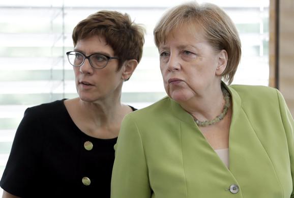 Angela Merkel i Anegret Kramp-Karenbauer