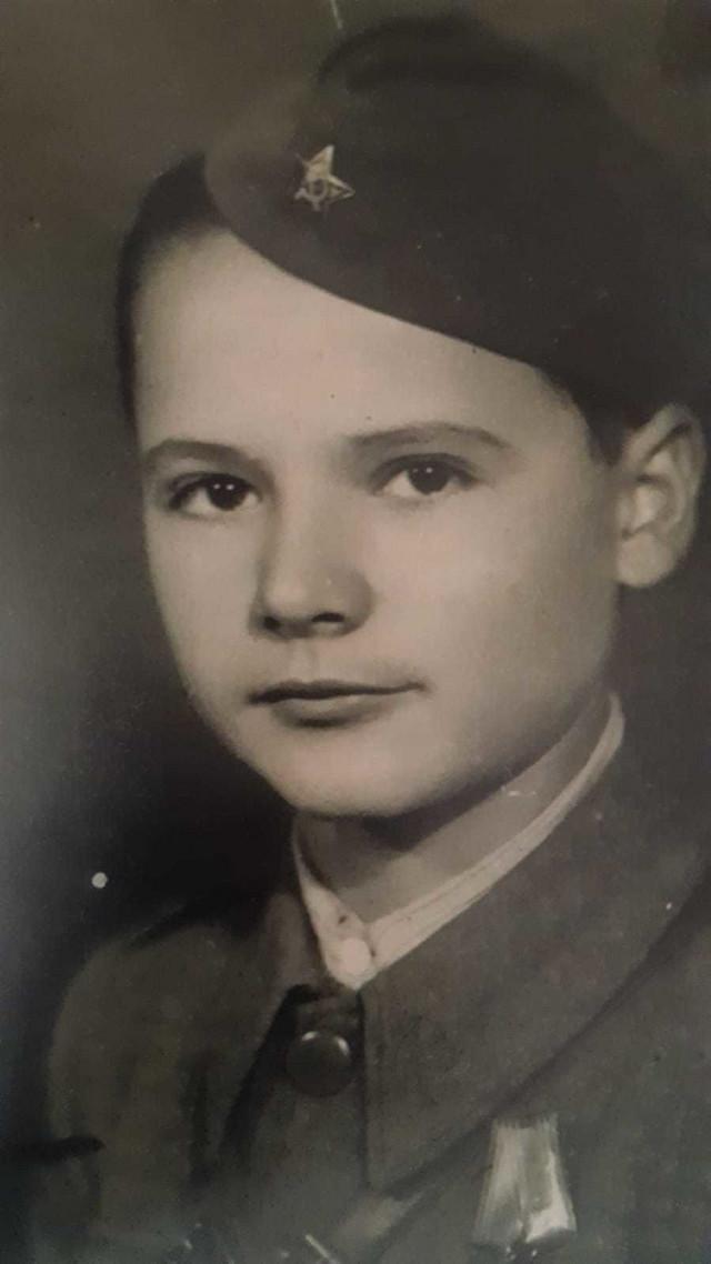 Kurir Miša u partizanskoj uniformi