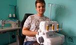 Karol dba o Ziemię i nie kupuje w sieciówkach. 19-letni krawiec starym ciuchom daje drugie życie