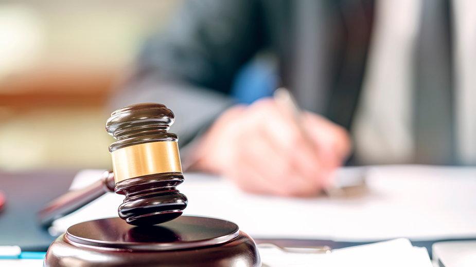 Wyrok w zawieszeniu i prace społeczne. Kara za bójkę na drodze