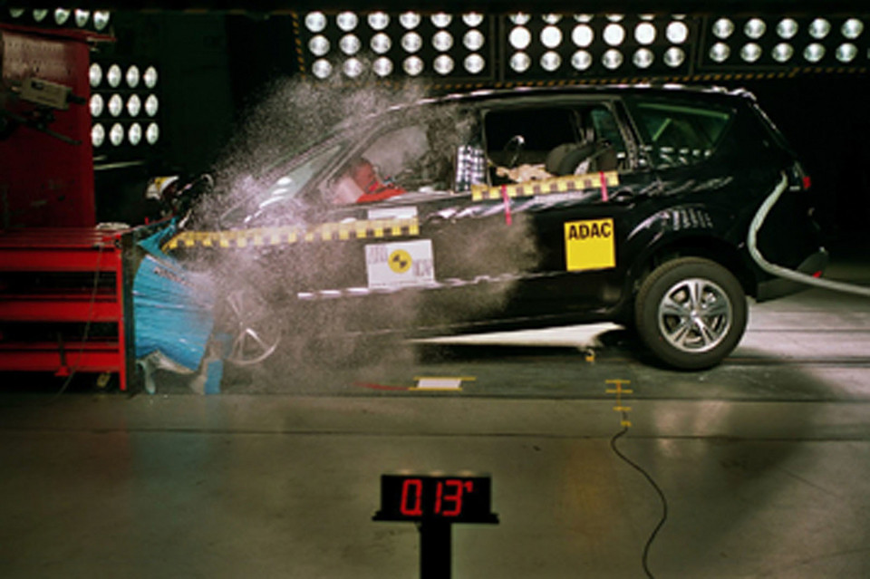 Ford S-Max (2006-15) - crash test