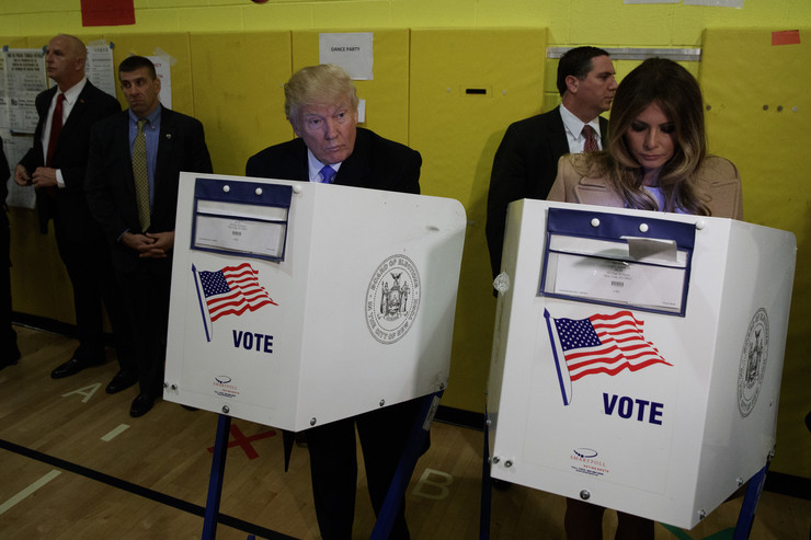 TRAMP glasanje foto Tanjug AP