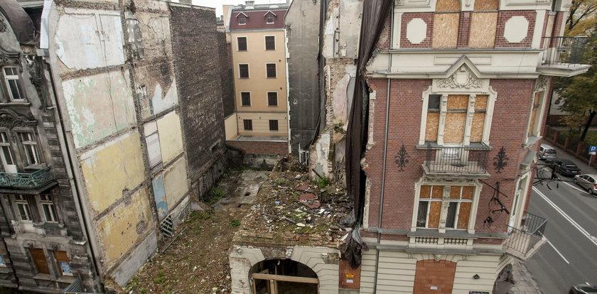 Śmierć dziennikarzy i dziecka w tym bloku wstrząsnęła Polską