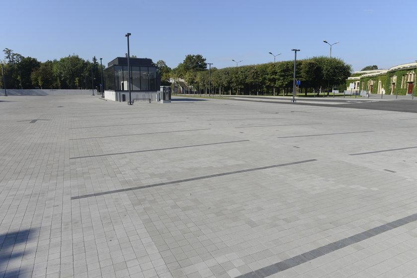 Parking przy Hali Stulecia we Wrocławiu