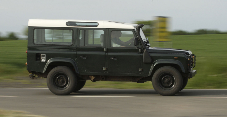 Land Rover Defender (1990-2007)