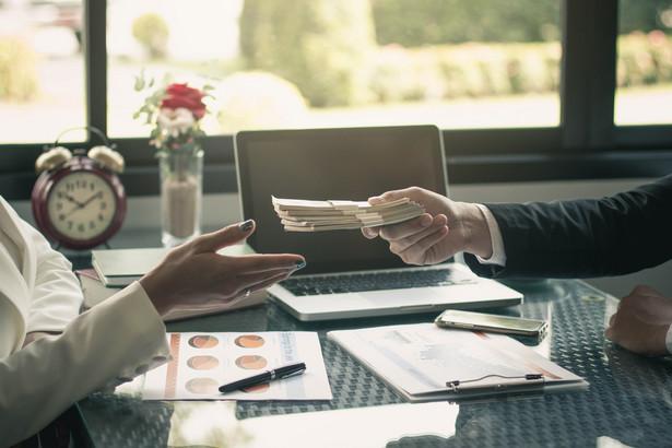 To, że banki udzielają mniej finansowania, widać choćby w najnowszym raporcie BIK za listopad