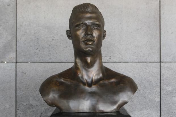 Nowe popiersie Ronaldo