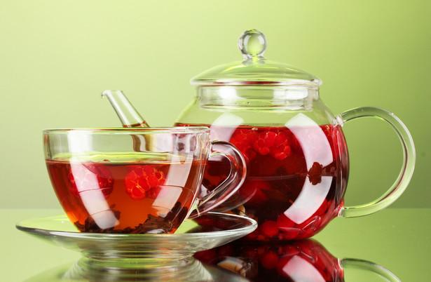 Firmie Teekanne, za pomocą oznaczeń na opakowaniu wprowadza konsumenta w błąd co do składu herbaty