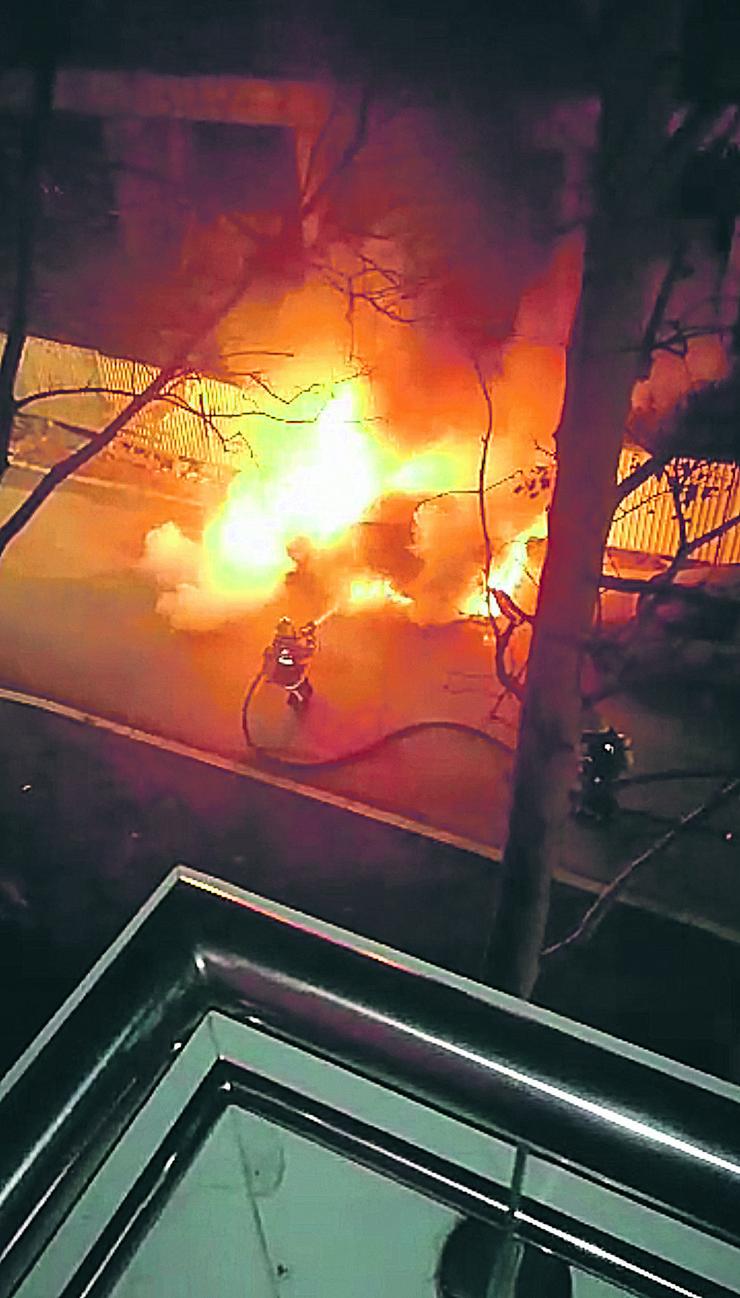 Novi Sad zapaljen bmv