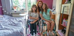 Serce matki kocha najmocniej! Pani Sylwia sama wychowuje dwie niepełnosprawne córki i buduje im dom
