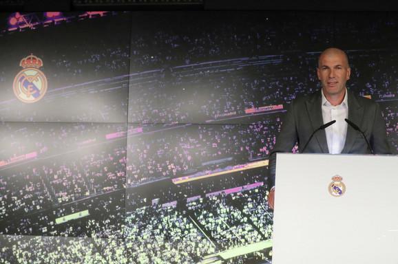 Zinedin Zidan na predstavljanju na novoj-staroj funkciji u Real Madridu u ponedeljak
