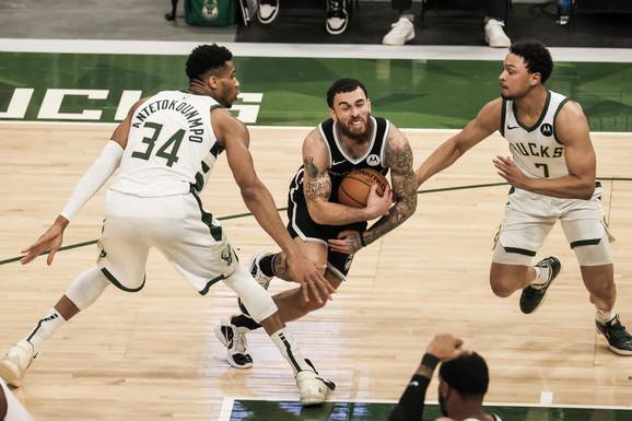 Najveća bomba u evropskoj košarci: Džejms se iz NBA VRAĆA U EVROLIGU, ali je malo ko očekivao da će igrati ovde