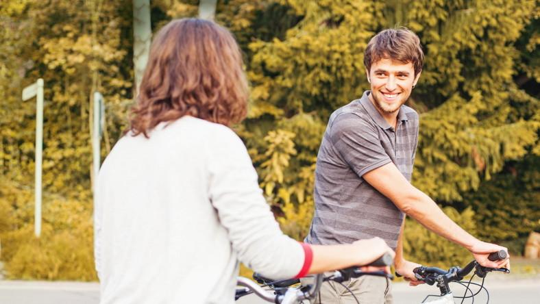 Spotkanie nieznajomych na rowerach