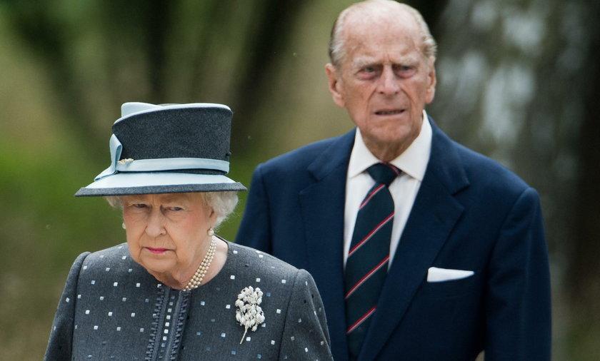 Dlaczego książę Filip i królowa Elżbieta II sypiali oddzielnie?