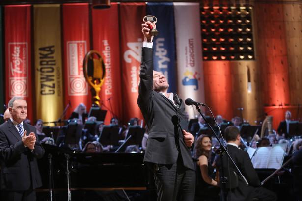Aktor Mariusz Bonaszewski odebrał Złoty Mikrofon, najważniejszą nagrodę Polskiego Radia, 10 bm. podczas uroczystej Gali w Studiu Koncertowym Polskiego Radia