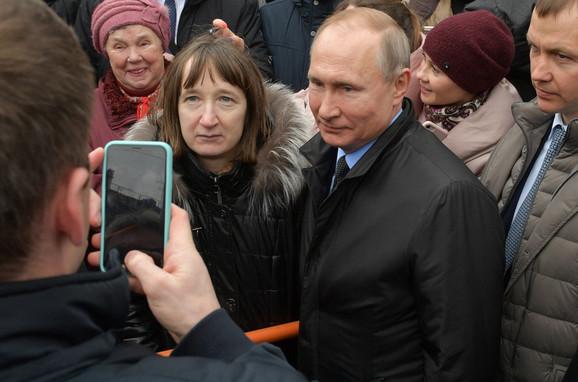 Putin i Ruskinja