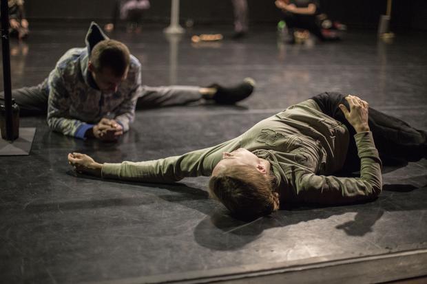 Próby przed spektaklem to ciężka praca, która wymaga pozostawienia pewnej tajemnicy