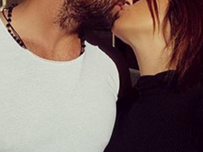 Oni su najzaljubljeniji poznati par u Srbiji: Zbog OVAKVIH slika u njihovu ljubav niko NE SUMNJA!