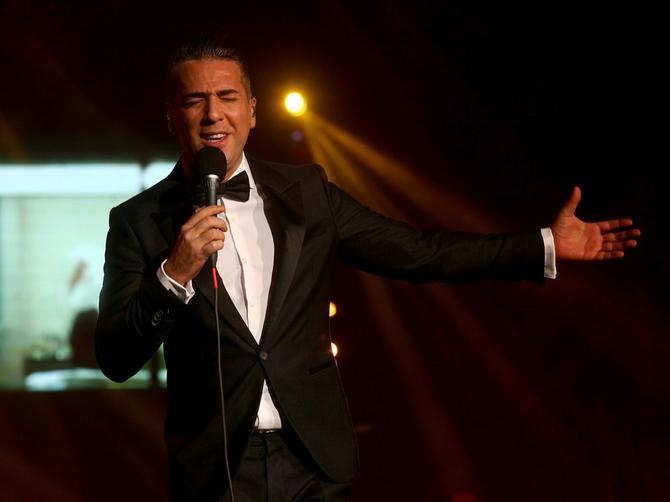 Evo kako je na koncertu sinoć Željko Joksimović iznenadio suprugu